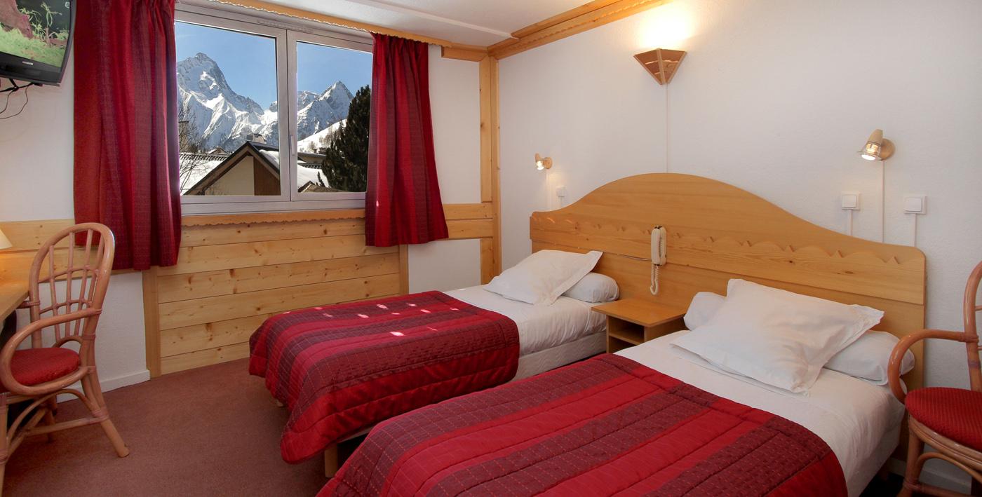 H tel adret les 2 alpes h tel les deux alpes votre for Hotels 2 alpes